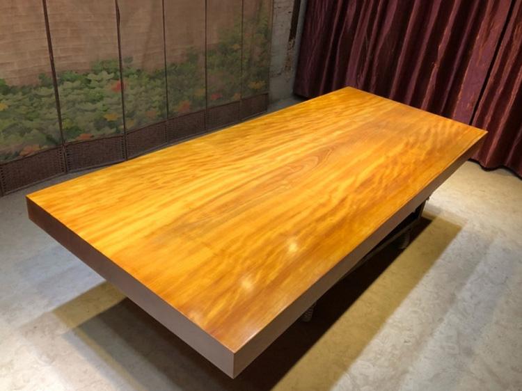 黄花梨大板桌生产厂家